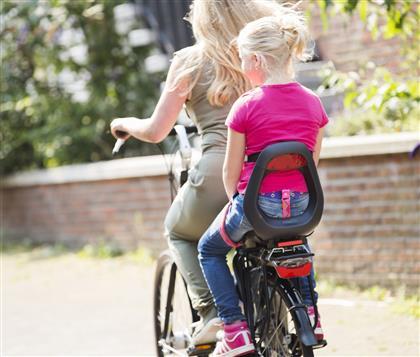 Tylny fotelik rowerowy dla dzieci do 35kg Yepp Maxi !420x357)