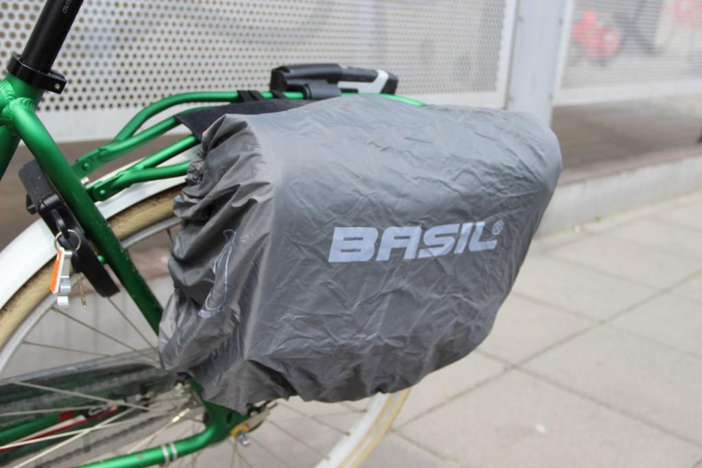 Torba rowerowa Basil Urban Mesenger pokrowiec przeciwdeszczowy IMG_1008