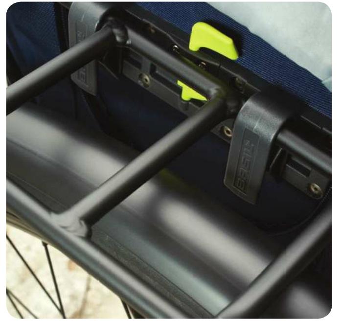 haki torby rowerowej basil hook on system