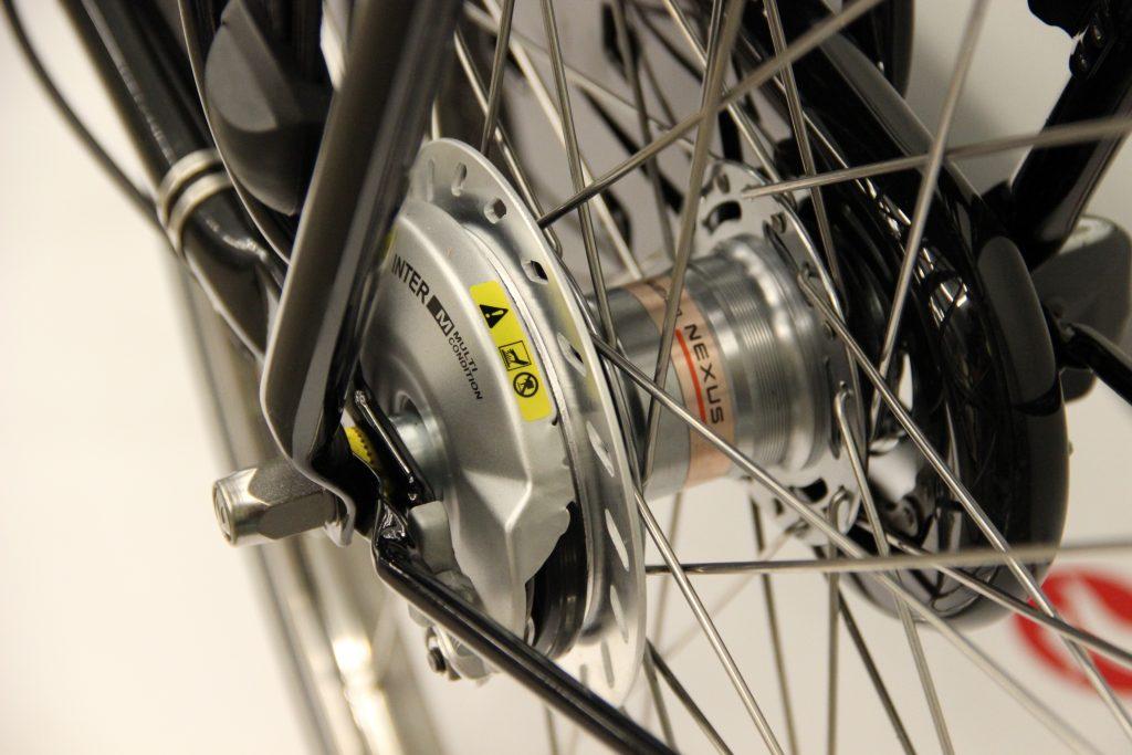 Batavus Old Dutch biegi i hamulec tylny porównanie z Gazelle Basic Classic