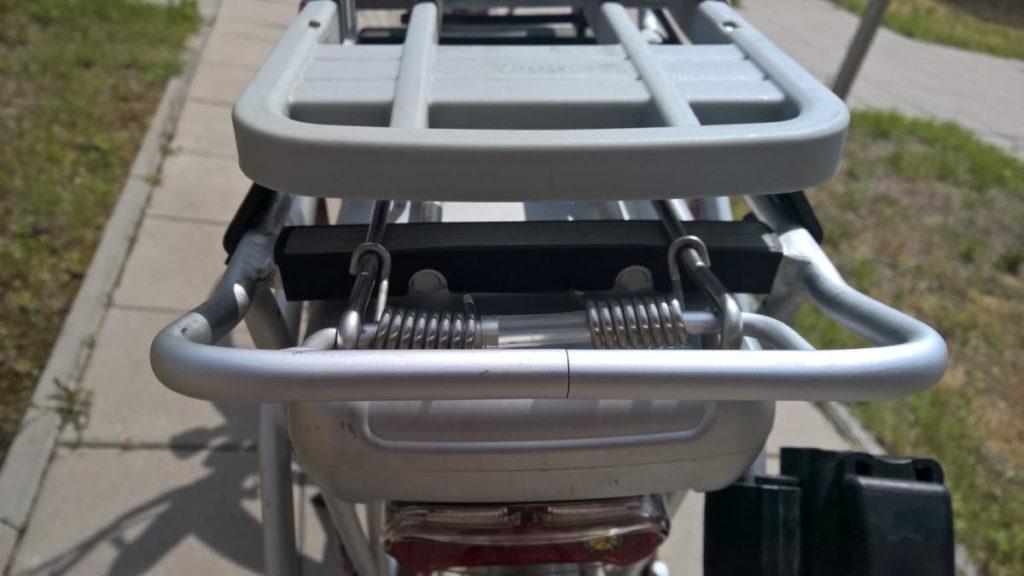 Fotelik rowerowy Yepp Maxi EasyFit - test fotelika rowerowego montowanego na bagażniku (12)