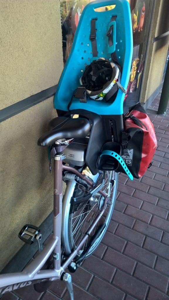 Fotelik rowerowy Yepp Maxi EasyFit - test fotelika rowerowego montowanego na bagażniku (9)