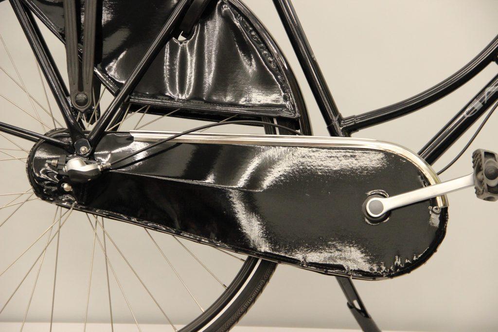 Gazelle Basic Classic osłona łańcucha porównanie z Batavus Old Dutch