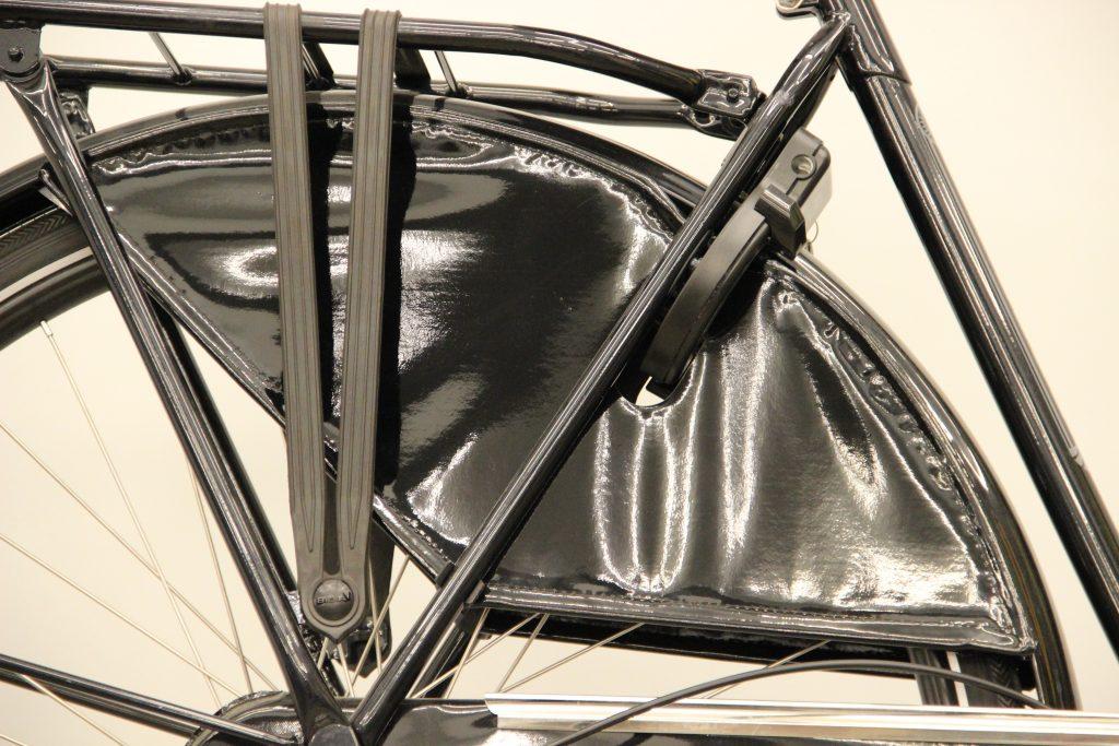 Gazelle Basic Classic osłona koła porównanie z Batavus Old Dutch