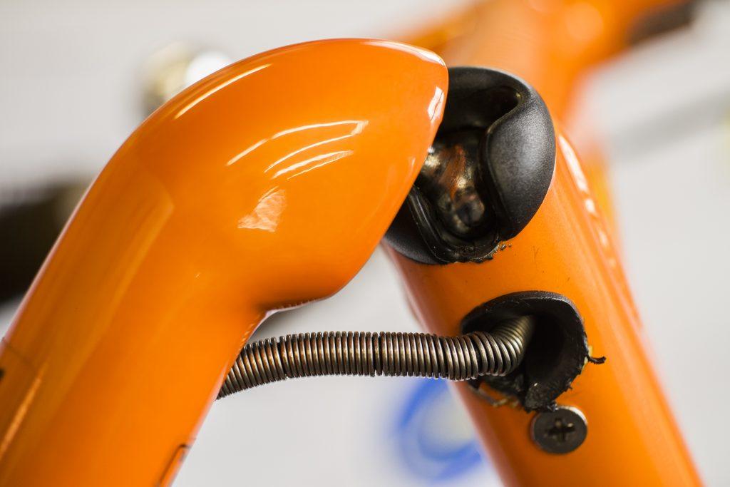 przegub-kulowy-rower-skladany-strida-2