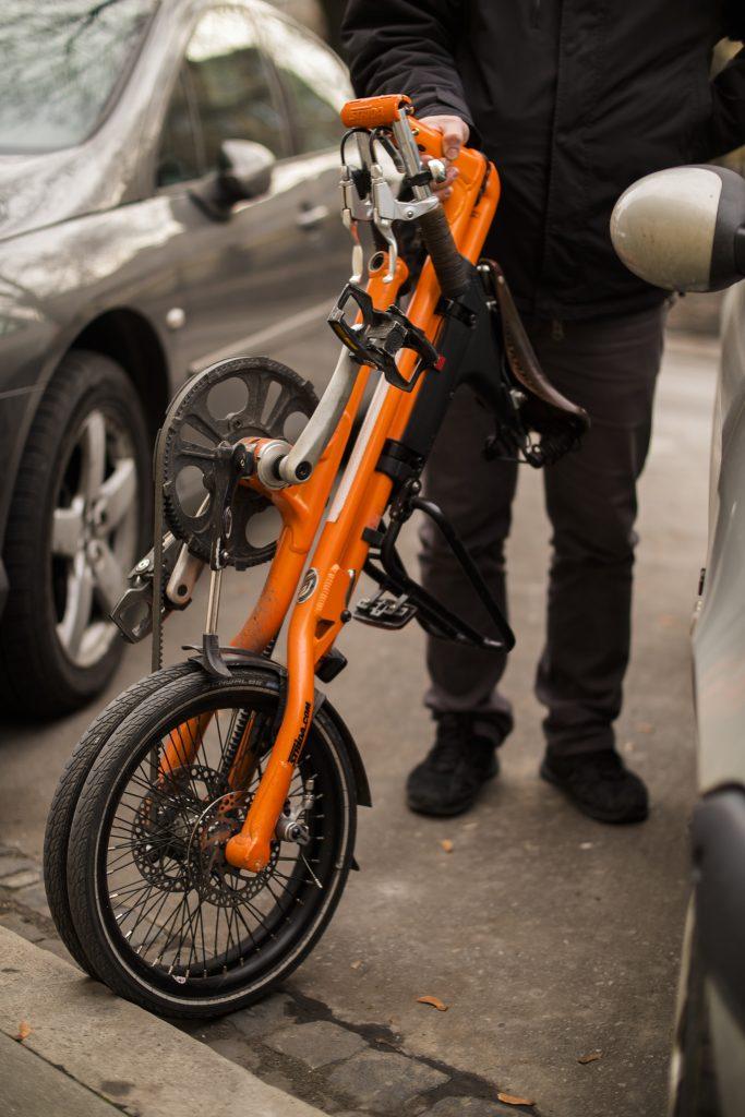 przenoszenie-roweru-strida