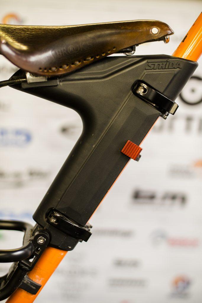 regulacja-siodelka-rower-strida-3