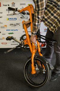 skldanie-i-rozkladanie-roweru-strida-4