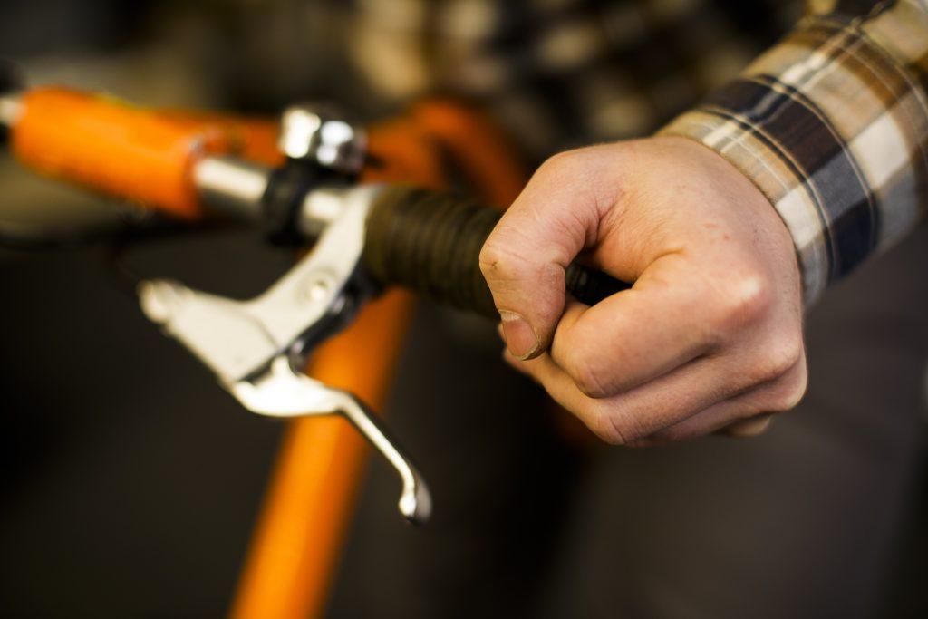 skldanie-i-rozkladanie-roweru-strida-8